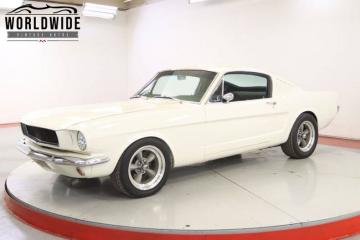 1965 Ford Mustang 306 ci 1965 V8 Prix tout compris