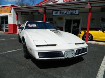 1983 Pontiac Trans V8 5.0L 1983 Prix tout compris